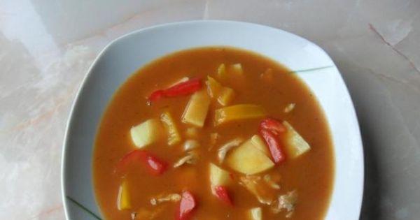 Zupa gulaszowa z ziemniakami - Zupę gulaszową można zrobić bez ziemniaków i podawać z pieczywem