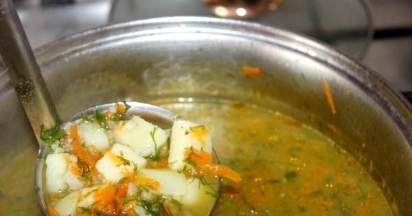 Zupa koperkowa z kaszą perłową - Kaszę dodaj na samym końcu szybko się gotuję