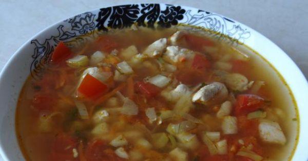 Zupa włoska z kurczakiem - Gotowa zupa włoska z pieczonym kurczakiem