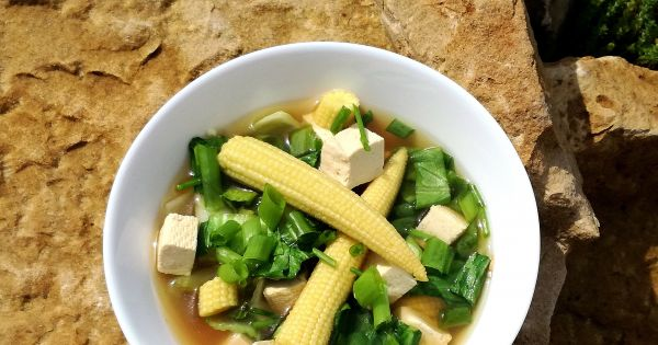 przepis zupa z tofu z kapust pak choi i mini kukurydz. Black Bedroom Furniture Sets. Home Design Ideas