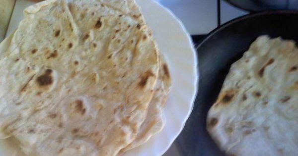 Zwijana meksykańska tortilla - Smażąc w piekarniku placki też trzeba przewracac