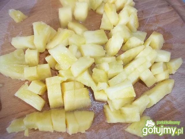 Ananas z czekoladowym musem