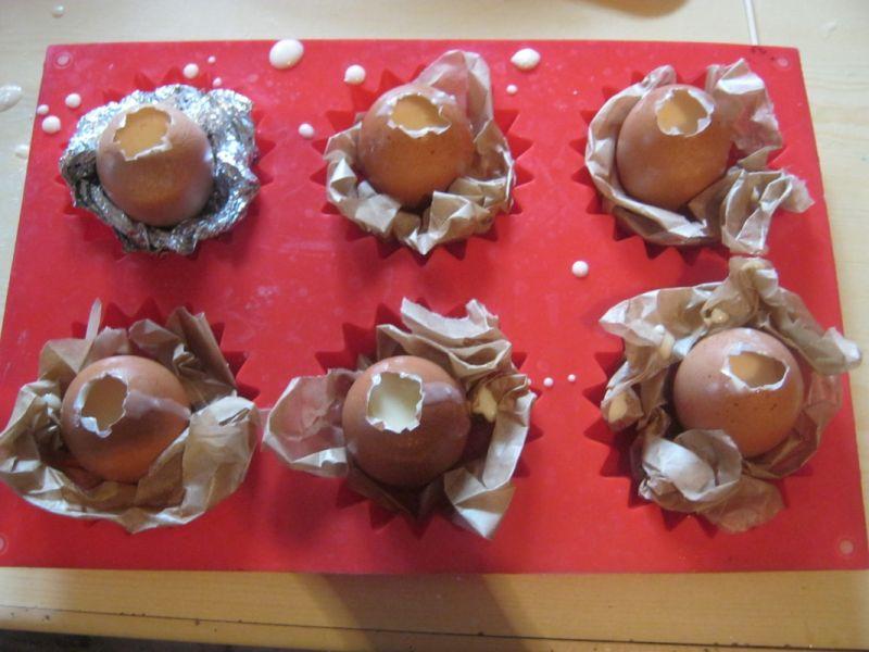 Ananasowa babka z kokosowymi jajkami w koszyczkach