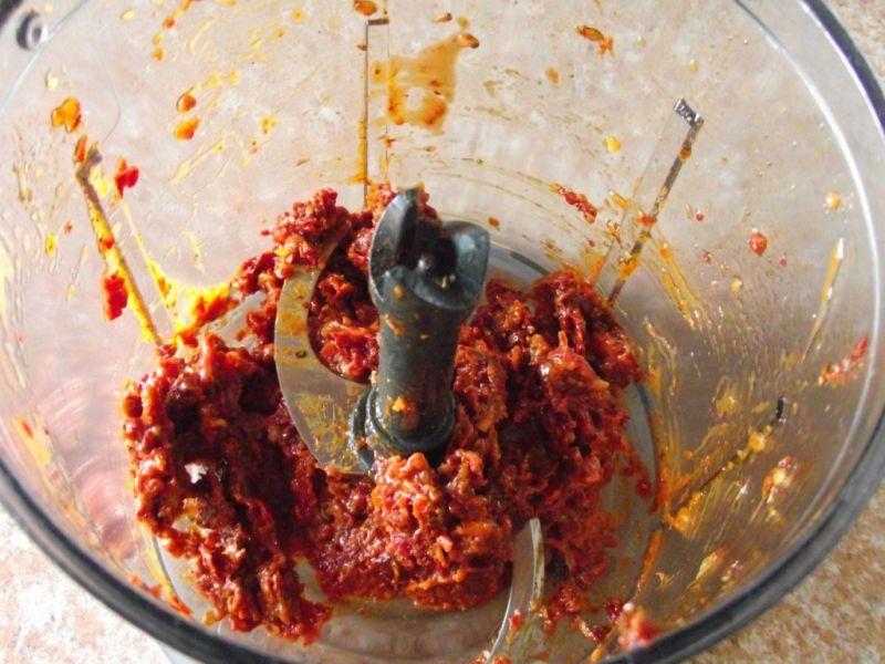 Aromatyczne pesto z suszonych pomidorów