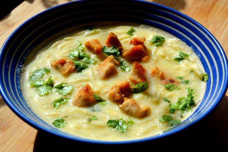 Avgolemono, grecka zupa jajeczno - cytrynowa