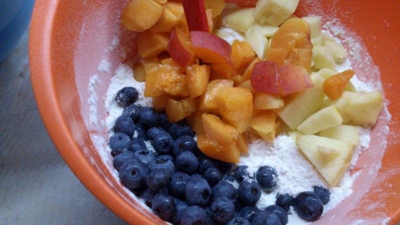 Babeczki z morelą, jabłkiem i borówką