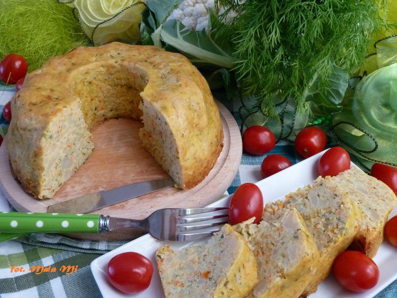 Babka kalafiorowo-serowa z warzywami