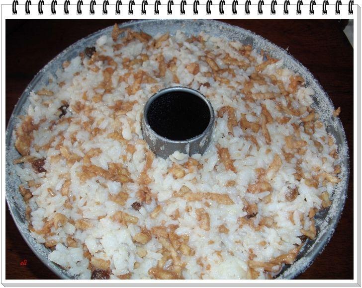 Babka ryżowo-jabłkowa Eli z sosem jeżynowym