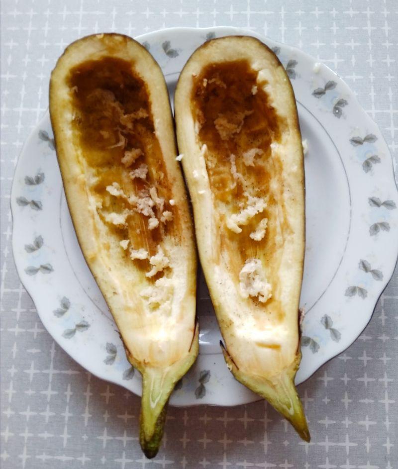 Bakłażan faszerowany pieczarkami i kaszą gryczaną