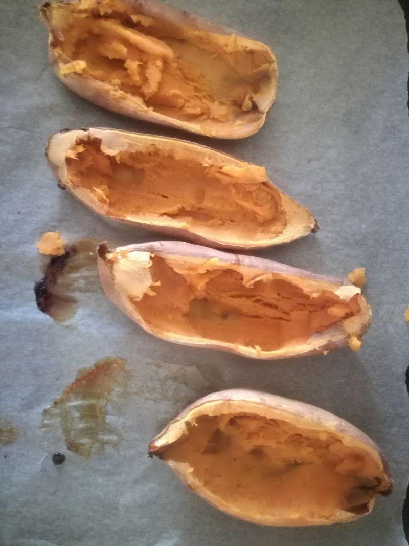 Bataty faszerowane szynką i serem