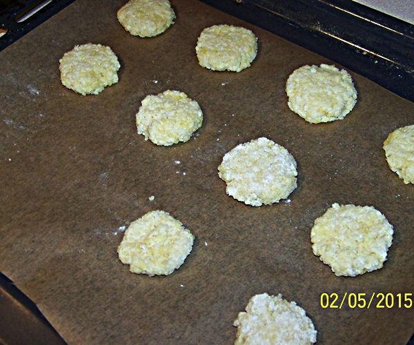Bezglutenowe ciastka jaglane z kokosem