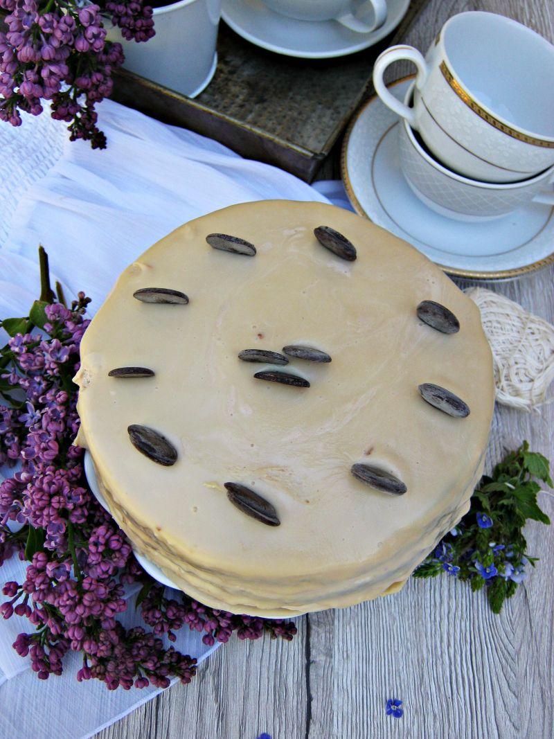 Białe brownie z kremem kinder i polewą