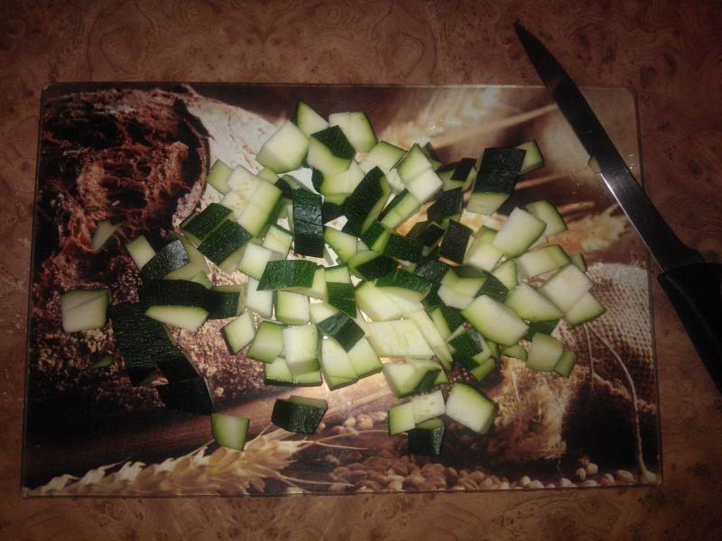 Bigos z kapusty pekińskiej z cukinią i pieczarkami