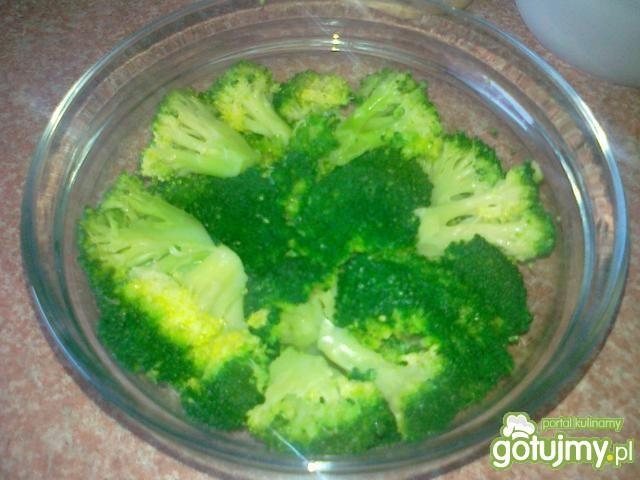Brokuły pod serową pierzynką wg Konczi