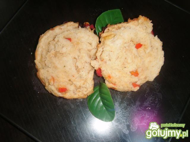 Bułeczki drożdżowe z cebulą i papryką