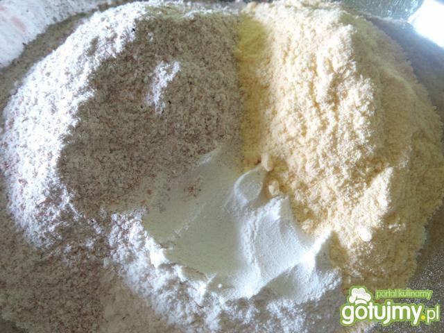 Bułeczki z mąką orkiszową i kukurydzianą
