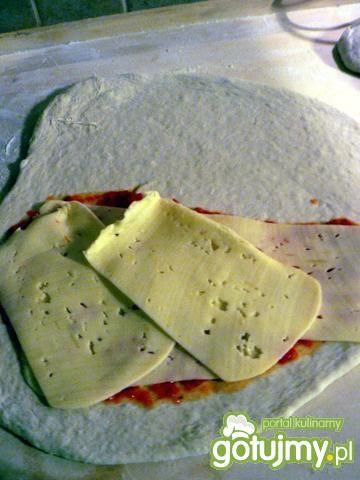 Calzone z mięsem mielonym