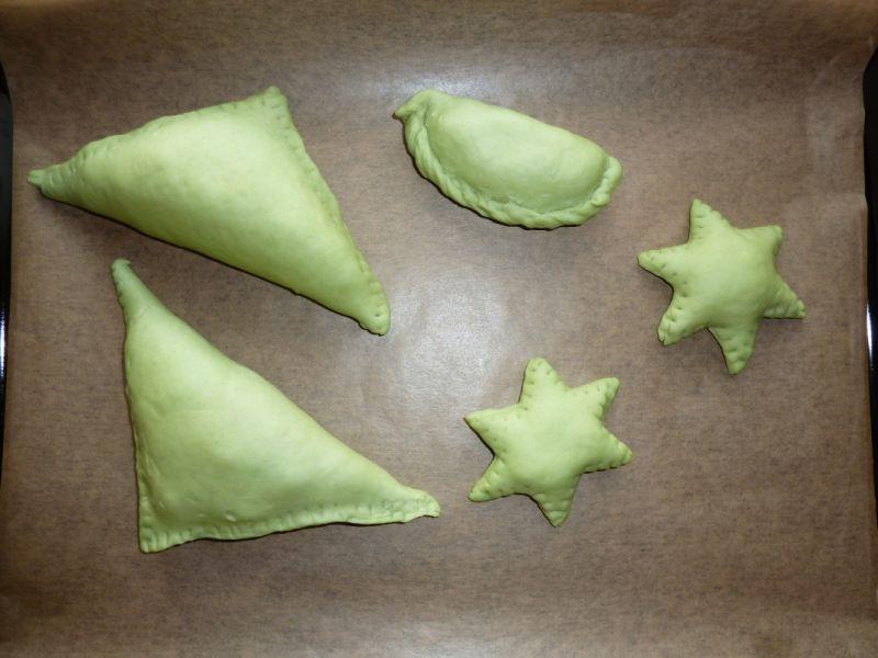 Calzone, zielone rożki i gwiazdki
