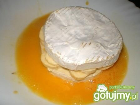 Camembert smażony z bananami