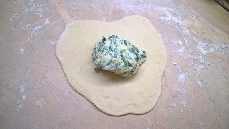 Chaczapuri z serem i szpinakiem