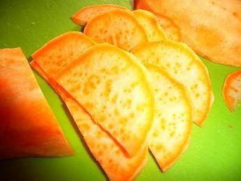 Chipsy z czerwonego ziemniaka
