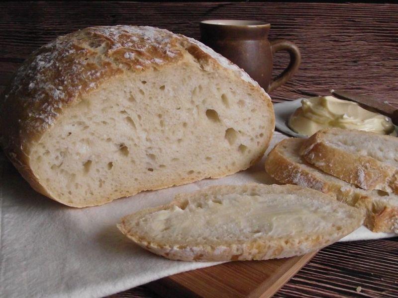 Chleb pszenny z garnka