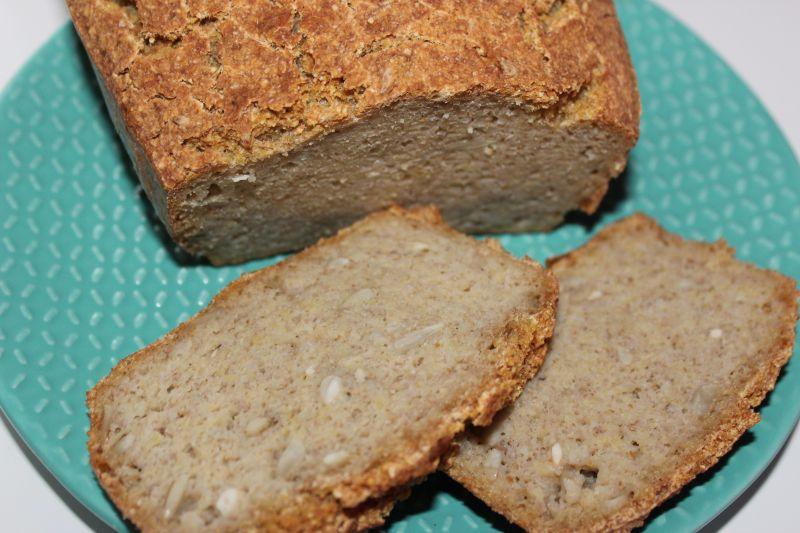 Chleb z kaszy jaglanej i gryczanej