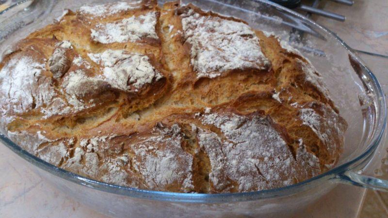Chleb z pestkami dyni i słonecznikiem