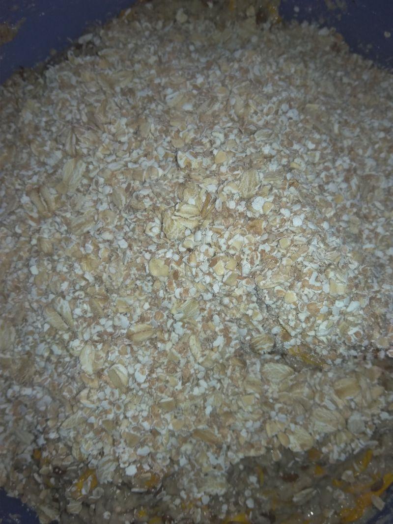 Chlebek nagietkowy orzechowy