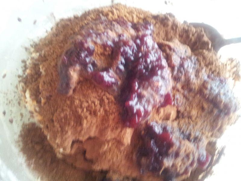 Chlebek piernikowy z siemieniem lnianym.