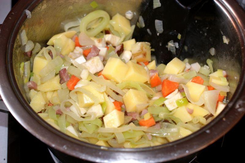 Chłopska kartoflanka