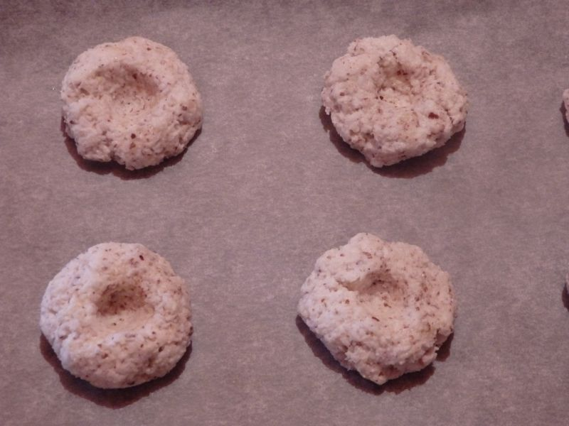 Ciasteczka kokosowo-migdałowe z dżemem