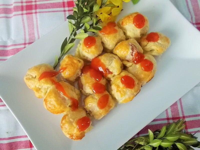 Ciasteczka na cieście francuskim z parówką
