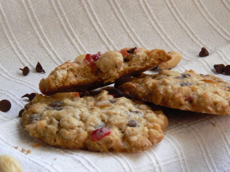 Ciasteczka owsiane z czereśnią koktajlową