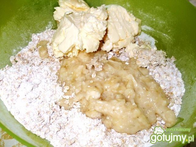 Ciastka owsiane z bananami i czekoladą