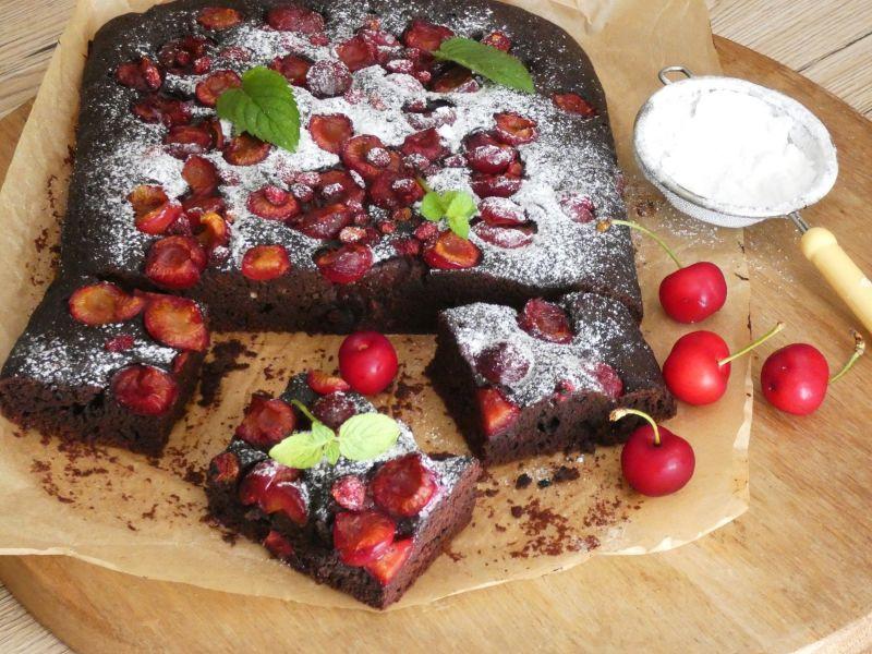 Ciasto czekoladowe z czereśniami