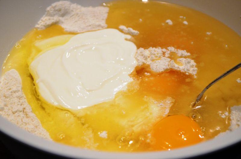 Ciasto jogurtowe ze śliwkami