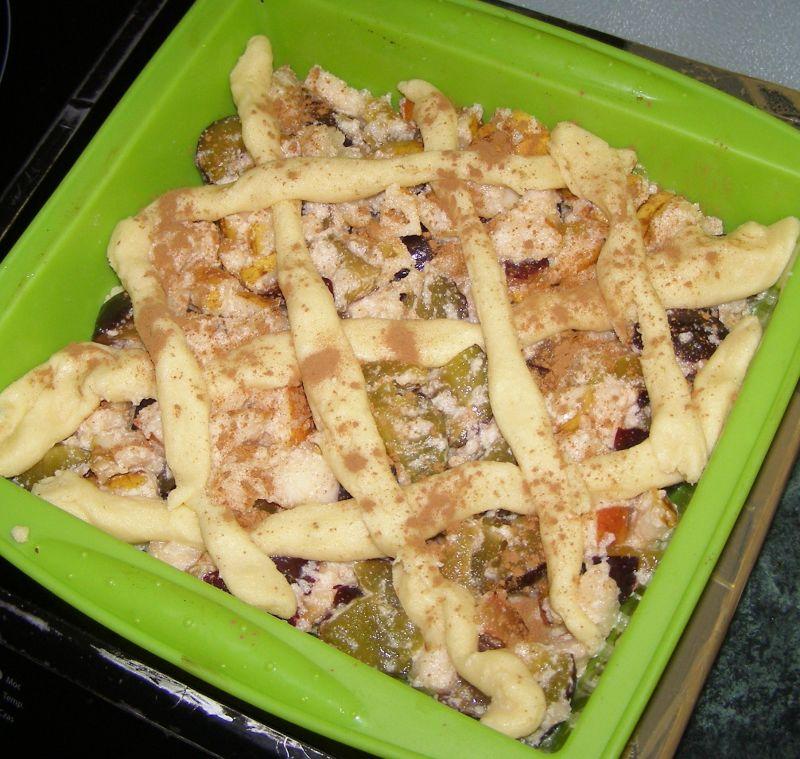 Ciasto kruche ze śliwkami,gruszkami