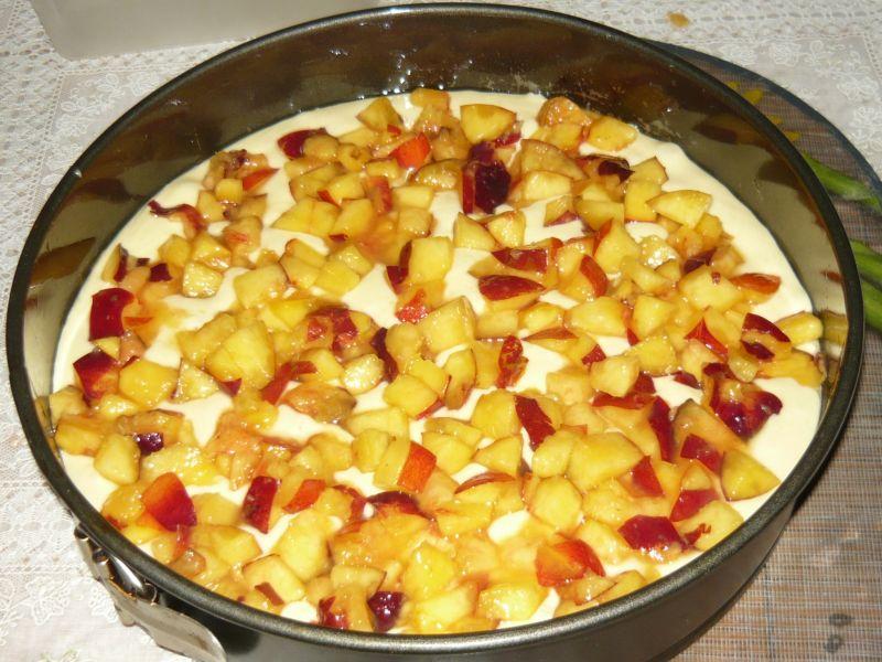 Ciasto na oleju z nektarynkami