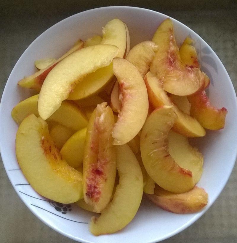 Ciasto na zimno z nektarynką
