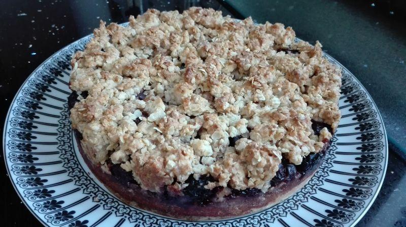 Ciasto wiśniowe z owsianą kruszonką