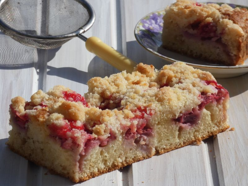 Ciasto z maslanka i owocami