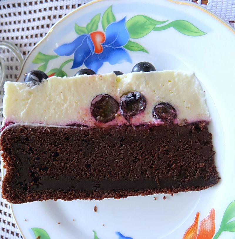 Ciasto z pianką i porzeczkami
