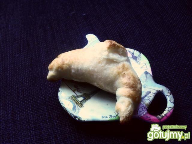 Croissanty z papryka marynowaną