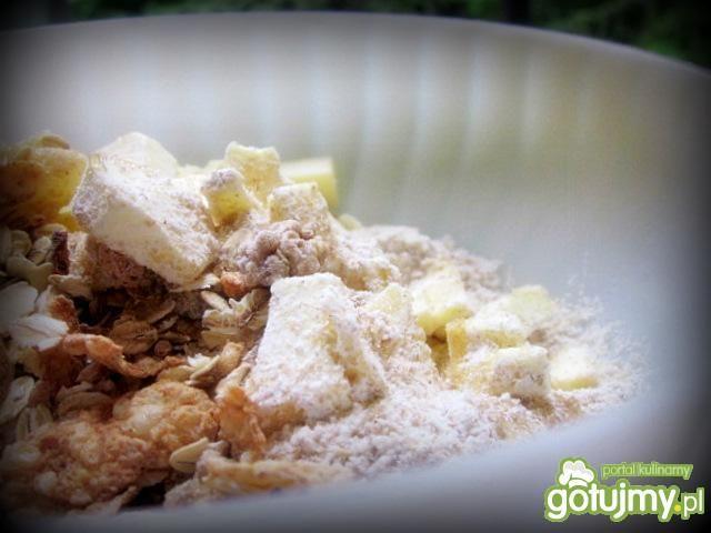 Crumble  truskawkowe z migdałami