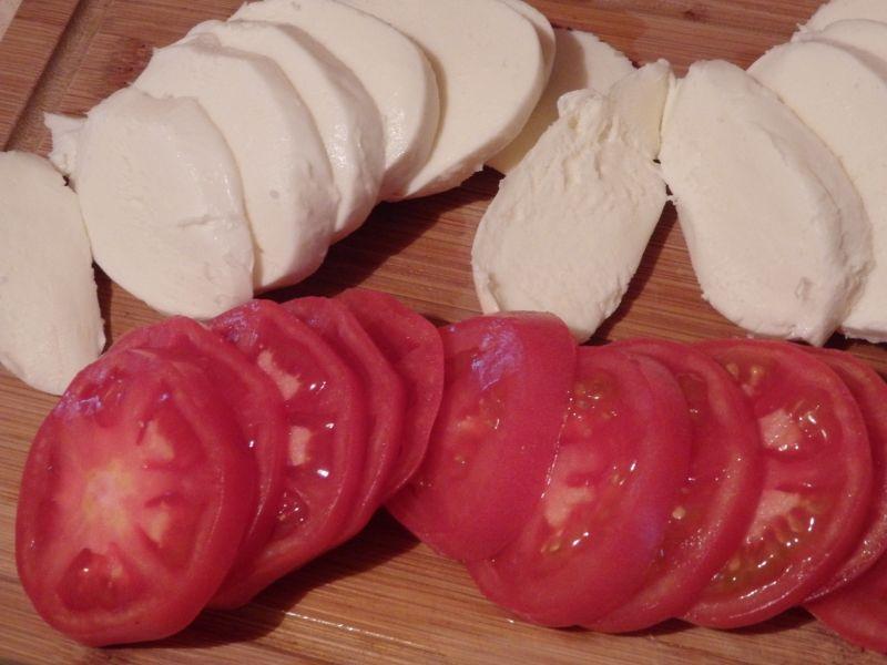 Cukinia faszerowana pomidorami i mozzarellą