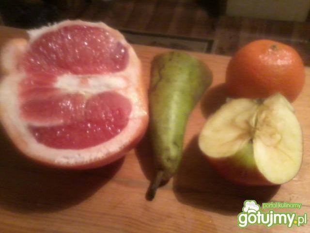 Cytrusowy sok z gruszką i jabłkiem