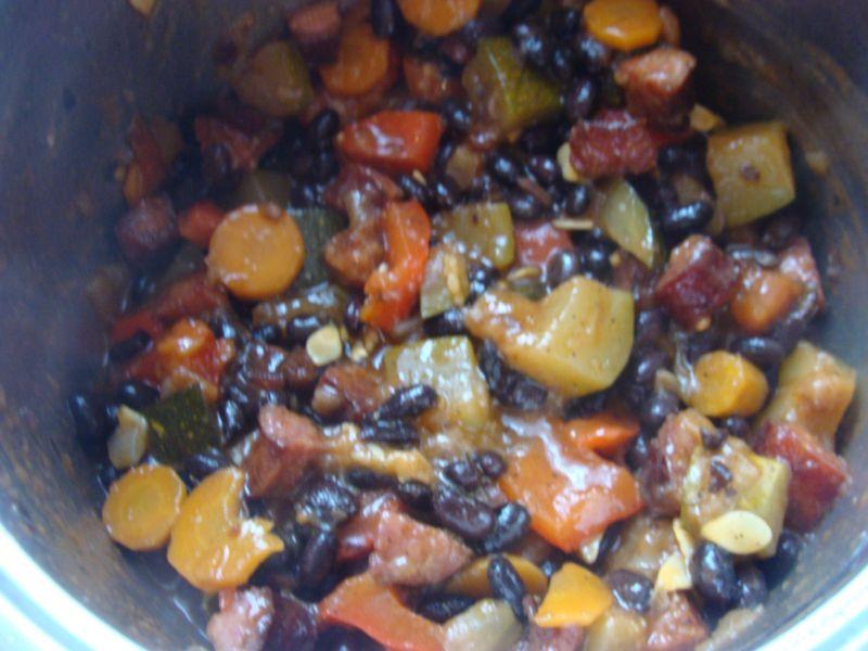 Czarna fasolka z warzywami