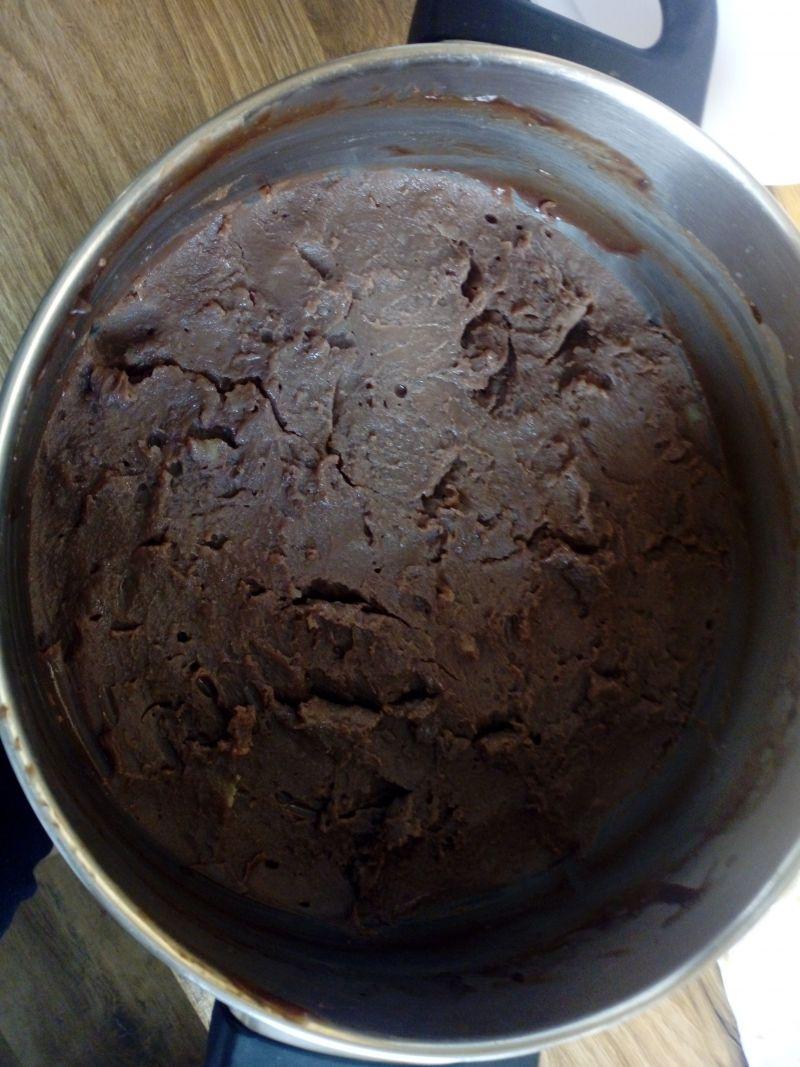 Czekoladowy krem do ciasta