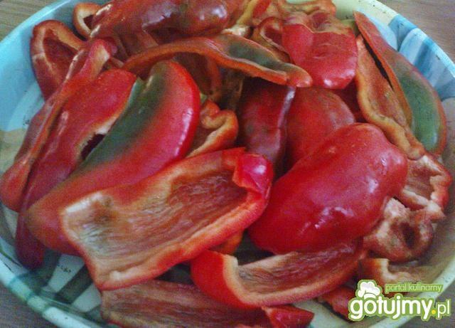 Czerwona papryka konserwowa